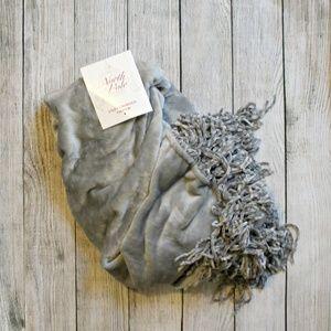 NWT North Pole Fringed Gray Soft Blanket Throw